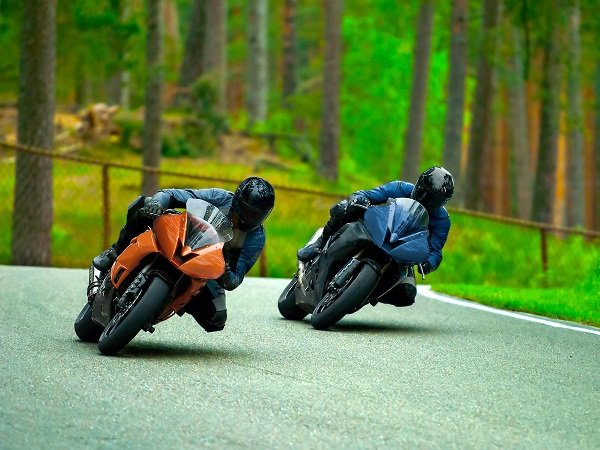 Sharing the Road with Motorcycles to Avoid Accidents